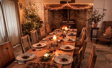 Christmas ideas - Inviting Christmas table set up